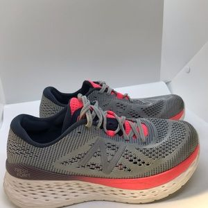 New Balance women's shoes size 7.5 Pink / Grey
